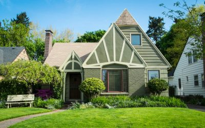 Pros & Cons of Buying an Older Home